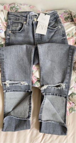 High-Rise-Split Jeans
