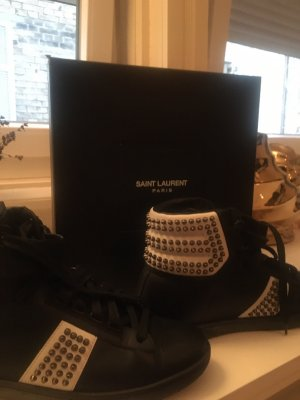 High Top Saint Laurent Sneaker