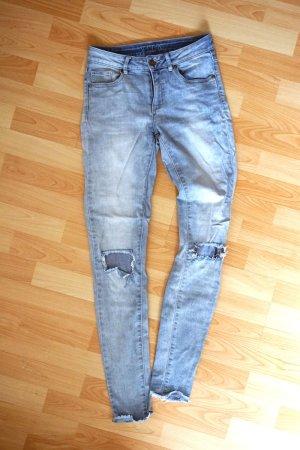 High-Waist destroyed Jeans / Vila