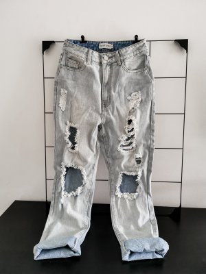 High-waist distressed Mom-Jeans