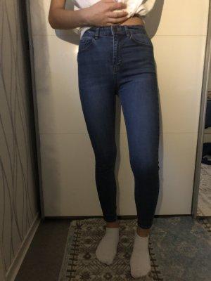 High Waist Jeans von Pullandbear