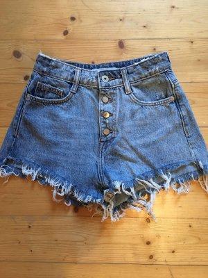 High Waist Jeansshorts im Used Look