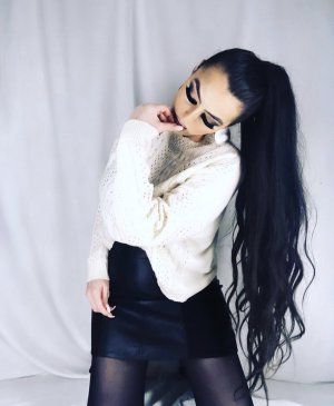high waist minikunstlederrock in schwarz