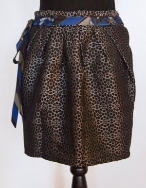 High-Waist Minirock mit floralem Muster und Gürtel in grau / schwarz