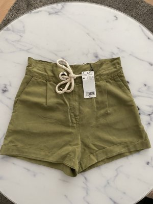 High - Waist- Shorts