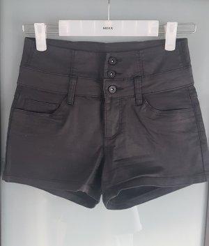 Only Pantalón corto de talle alto negro
