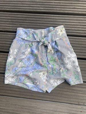 High Waist Shorts mit Blumenprint