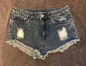 High-Waist-Shorts mit Löchern