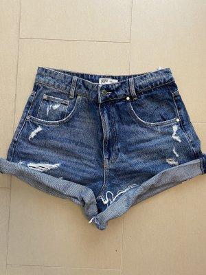 High-Waist-Shorts von Zara TRF