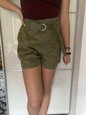 High-waisted Shorts in Khaki von Zara