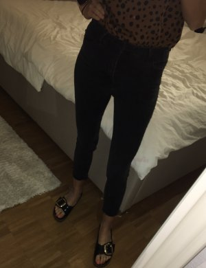 Bershka Jeansy z wysokim stanem czarny