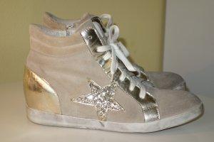 Hightop Wedge Sneaker aus Wildleder mit Pailletten-Details Gr.40
