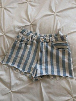 Pull & Bear Pantalón corto blanco-azul claro