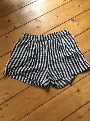 Highwaist// Shorts // gestreift