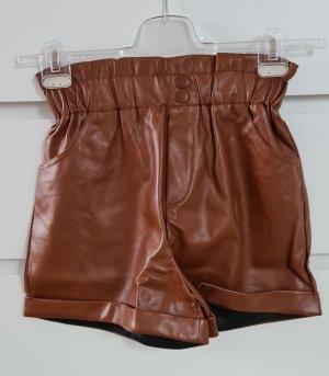 Pull & Bear Pantalón corto de talle alto coñac