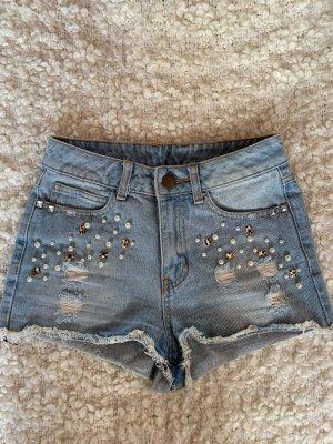Highwaisted Jeans-Shorts mit Perlen