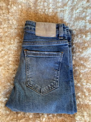 Highwaisted Jeans ZARA