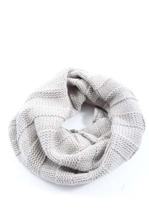 Hilltop Tube Scarf light grey cable stitch casual look