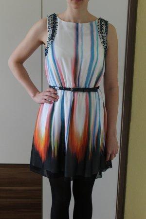 Hingucker - Kleid von Little Mistress mit Gürtel