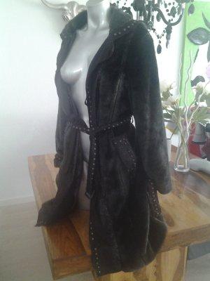 Cappotto in eco pelliccia marrone scuro