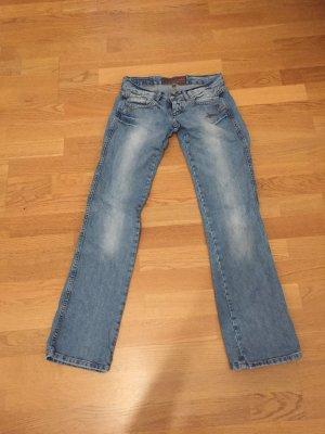 HipJeans W27 Länge ca. 32. evtl. länger.