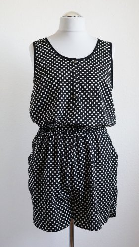 Hipper Jumpsuit schwarz weiss gepunktet von Vero Moda