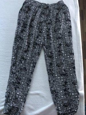 Pantalón estilo Harem negro-blanco