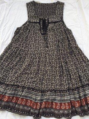 Hippie Kleid Paisley geblümt, weit schwingend