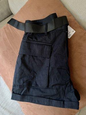 H&M Divided Pantalón corto de talle alto negro