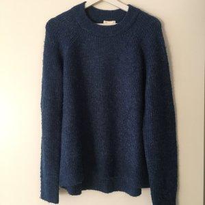 Hochgeschlossener Pullover in Blau