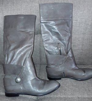 hochwertige, flache Stiefel aus superweichem Leder