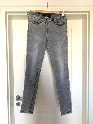 Hochwertige Marc Aurel Jeans ,schmal geschnitten mit Elastan für einen sexy Sitz
