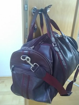 Travel Bag bordeaux-carmine leather