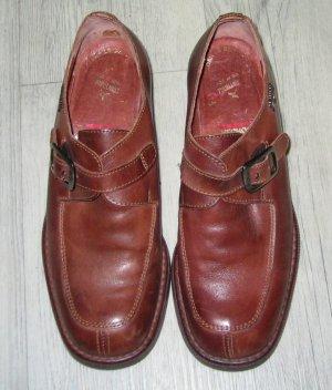 Hochwertige Schuhe aus Leder von Pikolinos