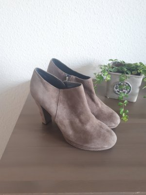 Bata Slouch Booties taupe-grey brown