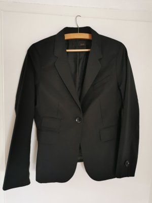 Hochwertiger Anzug, mit Wolle und doch ganz leichter Stoff