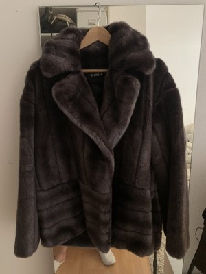 Hochwertiger faux-fur Mantel