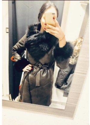 Manteau de fourrure brun noir-taupe cuir