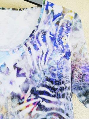 hochwertiges Kurzarm-Shirt mit Mustermix in Blau, Lila und Weiß von Peter Hahn