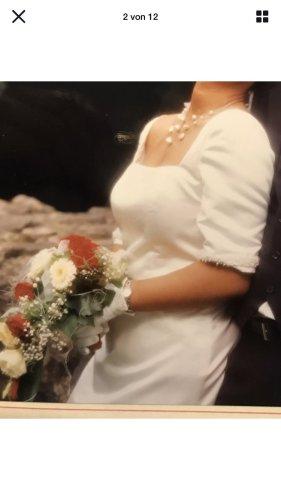 Suknia ślubna kremowy