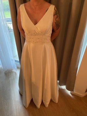 / Suknia ślubna w kolorze białej wełny-kremowy