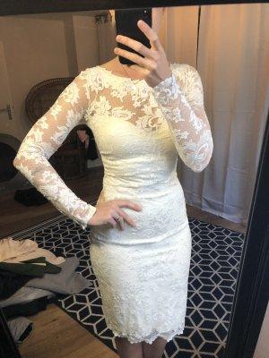 Wedding Dress cream mixture fibre