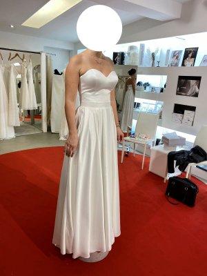 Bianco Evento Robe de mariée blanc cassé