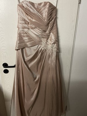 Vestido de novia rosa empolvado