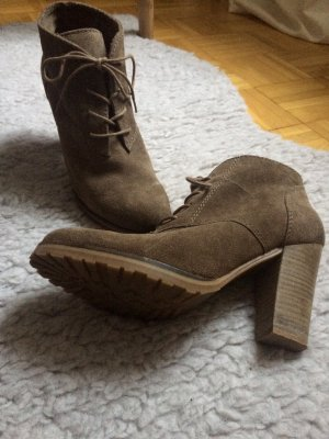 Hohe Ankleboots