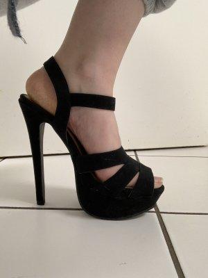 Hohe High heels in schwarz