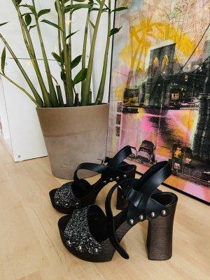 Hohe Sandaletten von OXMOX