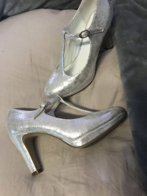 Hohe Schuhe silber