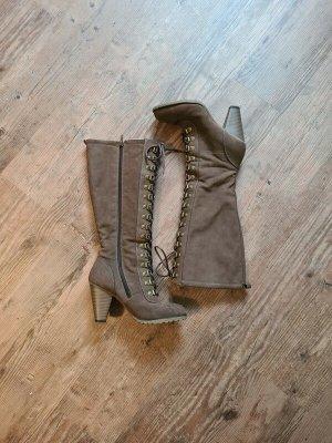 Hohe Stiefel in braun, Größe 37 Schnürung