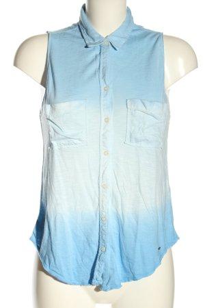 Hollister Blusa sin mangas azul degradado de color look casual